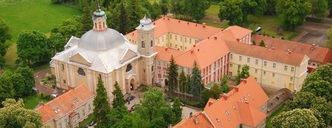 Kościół parafialny wraz z zabudowaniami poklasztornymi w Owińskach